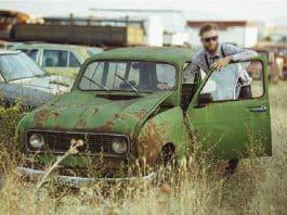Comment résilier l'assurance auto d'une voiture qui ne roule plus