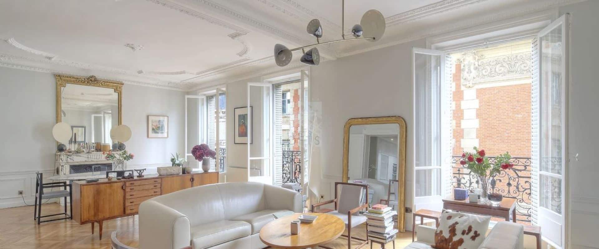 Un logement à Paris
