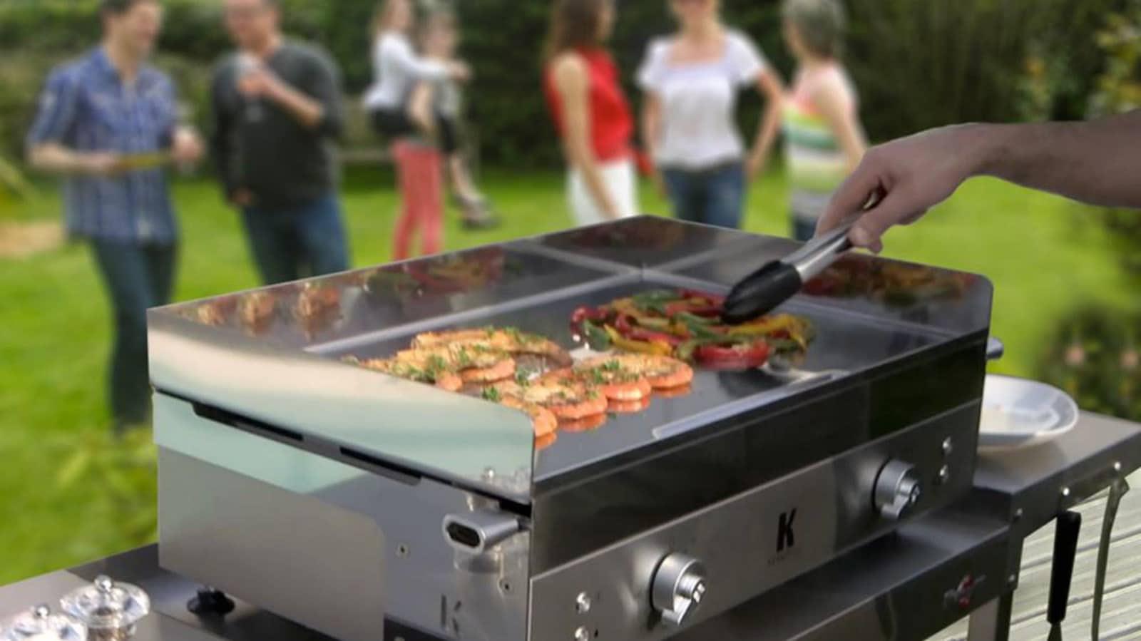 Barbecue avec la plancha à gaz