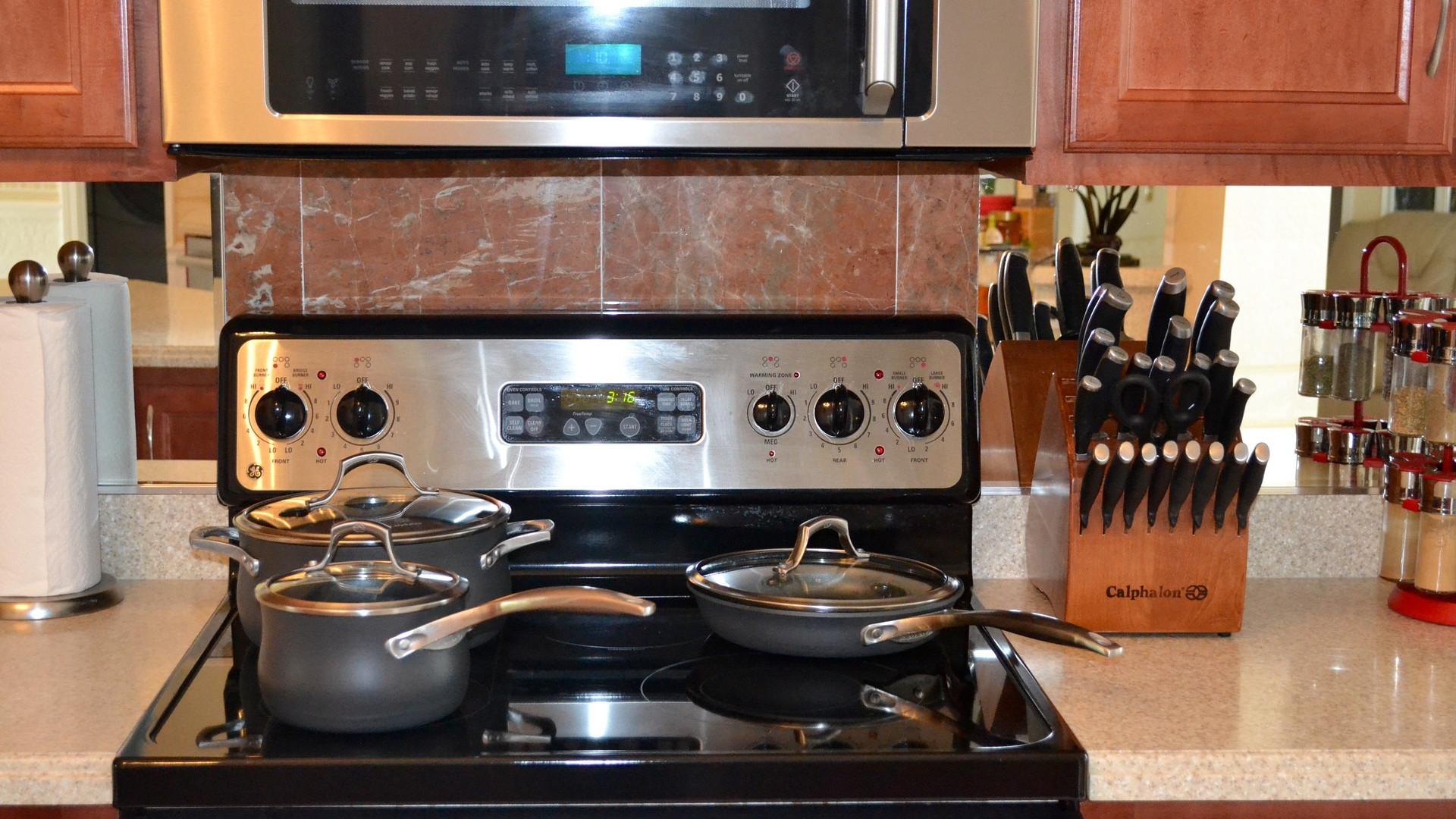le fer et ses alliages pour la maison fuveau. Black Bedroom Furniture Sets. Home Design Ideas